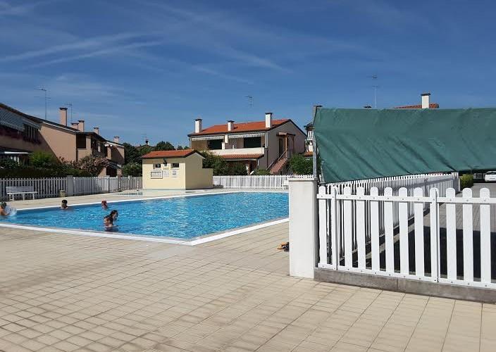 Appartamenti caorle villaggi con piscina caorle agenzia aurora - Appartamenti con piscina ...